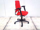 BMA-Axia-hoge-rug-rood bureaustoel gebruikt kantoormeubilair lamers arrola zijaanzicht
