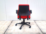 BMA Axia rood lage rug bureaustoel gebruikt kantoormeubilair lamers arrola achteraanzicht