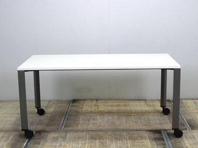Ahrend 700 gebruikt verrijdbaar bureau met nieuw wit blad