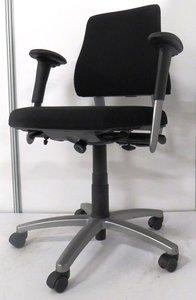 BMA Axia 17040 bureaustoel zwart gebruikt kantoormeubilair lamers arrola zijaanzicht