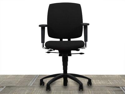 Drabert Entrada Bureaustoel nieuw zwart gestoffeerd met zwart voetkruis
